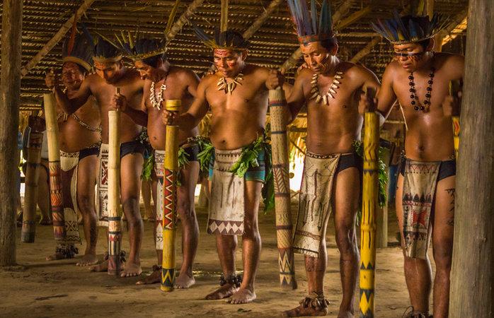 Turismo na Amazônia - Tribo indiígena