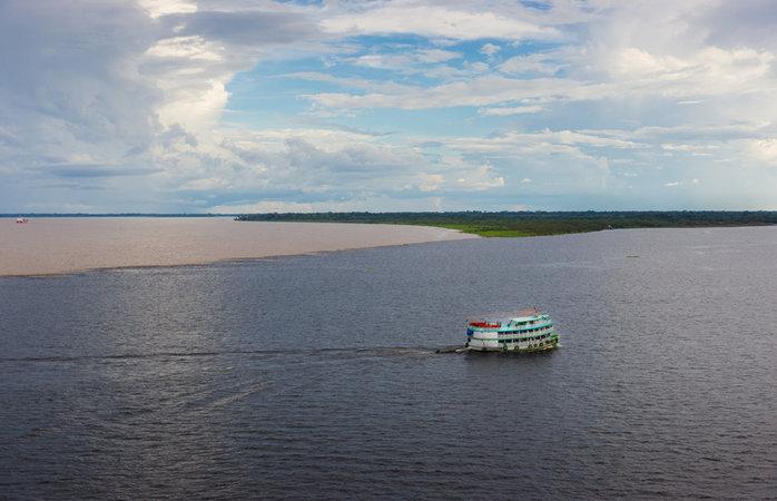 Turismo na Amazônia - Encontro das Águas